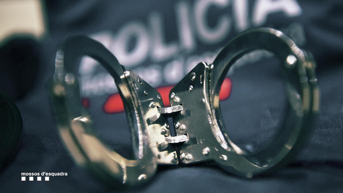 A presó quatre lladres per robatoris amb força en habitatges de Cervera, Tàrrega i quatre municipis més