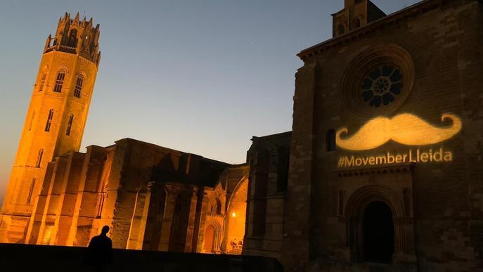 ⏯️ Donació de Lligues Lleida, cançó de l'Arnau de Vilanova i bigoti gegant a la Seu Vella per visibilitzar el càncer de pròstata