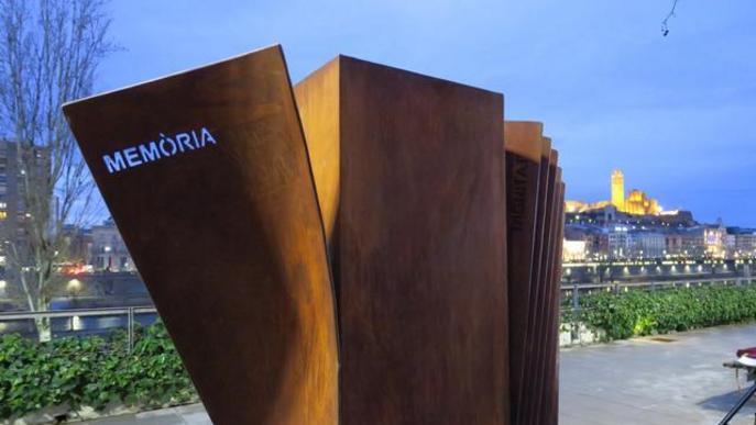 Una escultura per recordar la barbàrie i reconèixer la lluita per les llibertats
