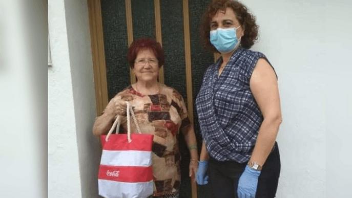 Repartiment obsequi sòcies de Les Àguedes ASSOCIACIÓ DONES DE TORRELAMEU