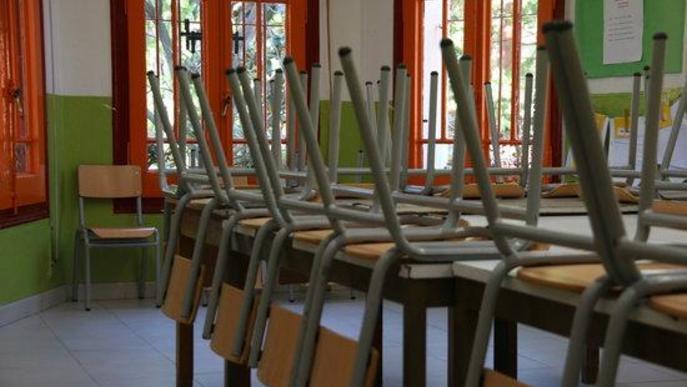 El curs comença amb dues escoles tancades per positius de covid i una tercera per una plaga de vespes