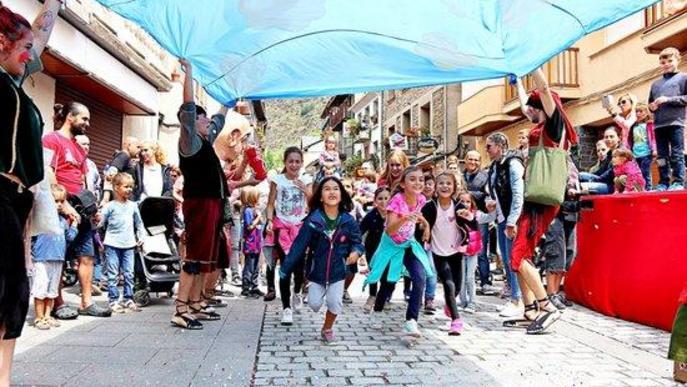 El festival Esbaiola't torna l'import de les entrades al públic confinat del Segrià