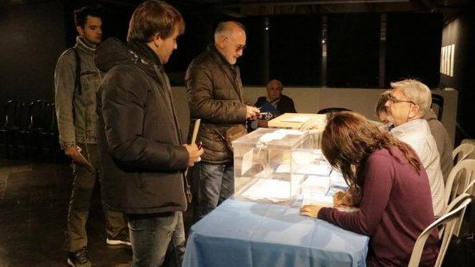 #EleccionsGenerals10N: Normalitat i primeres cues als 317 col·legis electorals de les comarques de Lleida