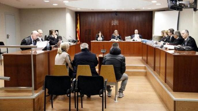 Nega haver simulat accidents per cobrar d'assegurances a Lleida