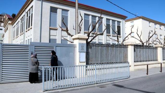 Més d'un miler de signatures contra el tancament de l'escola Àngel Guimerà de Balaguer