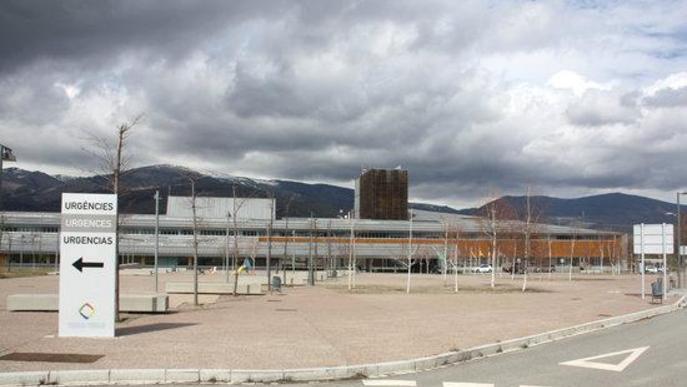 Una dona de 72 anys està ingressada a l'Hospital de Cerdanya, on s'han confirmat tres casos en una setmana