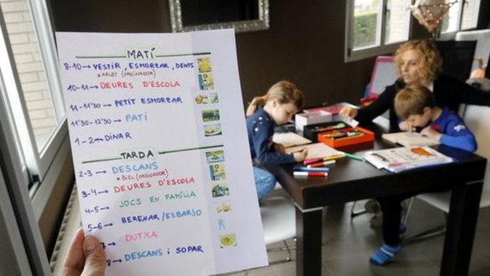 Pandèmia, feina i fills: la manca d'ajuts específics estén la precarietat laboral i familiar