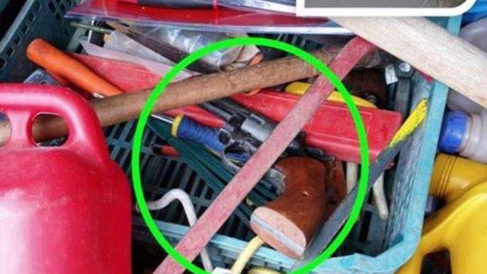 Detenen dos homes a Mollerussa després de trobar-los una pistola al maleter del vehicle