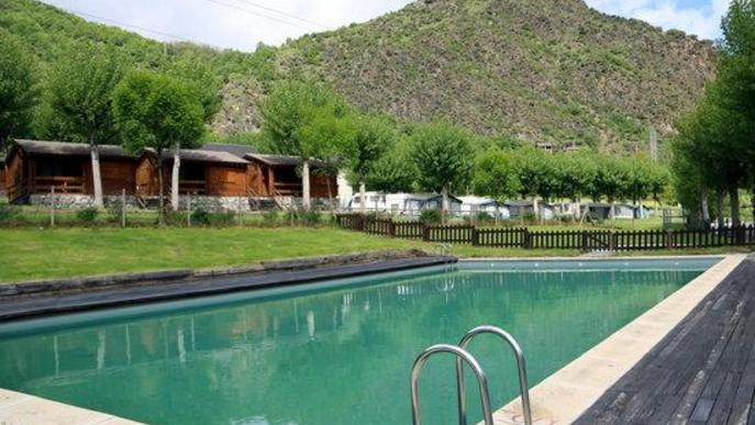 Arxiu piscina càmping Guingueta d'Àneu Pallars Sobirà