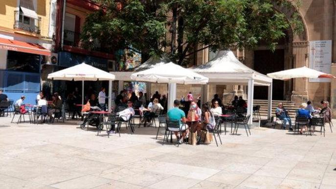 Arxiu terrassa bar plaça Sant Joan Lleida