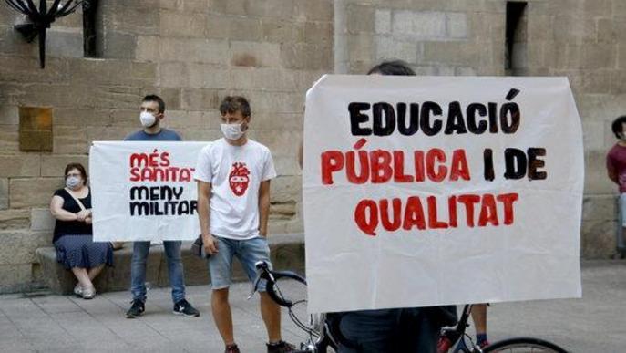 """⏯️ Els Mossos identifiquen un manifestant en defensa de """"la vida abans que el capital"""" a Lleida"""