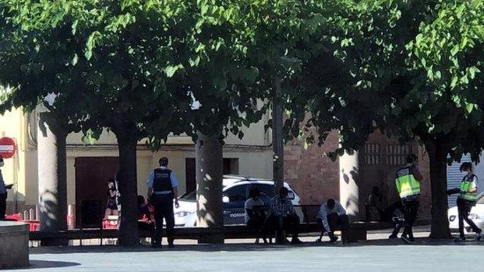 SOS Racisme i Fruita amb Justícia Social exigeixen aturar les batudes policials de temporers