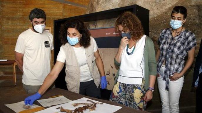 Troben un individu i restes sense connexió en dues fosses de la Guerra Civil al Cogul