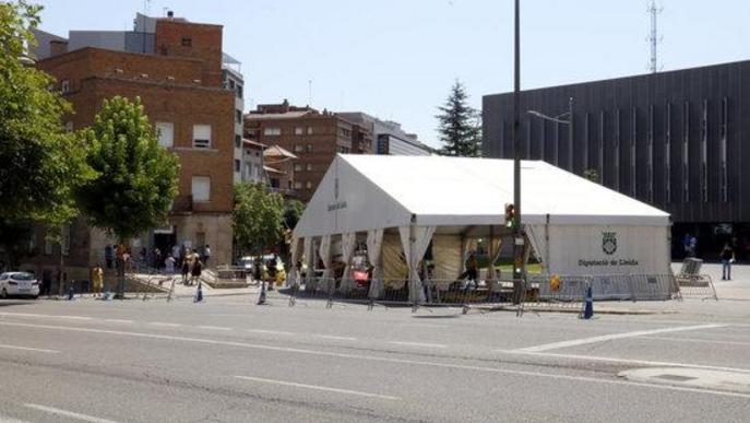 Pla general de la carpa instal·lada al costat del CUAP Prat de la Riba de Lleida