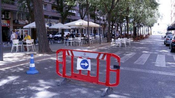 ⏯️ La Paeria talla carrers a Lleida perquè bars i restaurants puguin muntar-hi terrasses