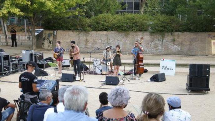 La New Orlinyes Jazz Band abans de l'actuació de dissabte al vespre a l'Amfiteatre dels Camps Elisisis