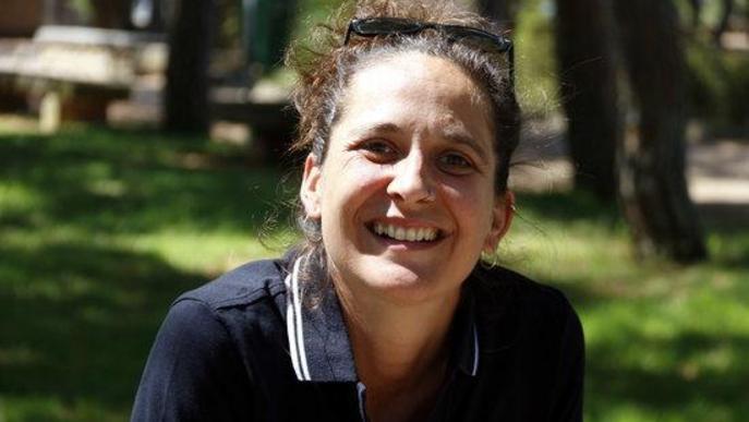 Pla tancat on es pot veure la directora artística de FiraTàrrega, Anna Giribet, entrevistada per l'ACN