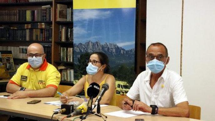 Pla mitjà on es poden veure a la gerent de la Regió Sanitària de Lleida, Divina Farreny, a l'alcalde de Lleida, Miquel Pueyo, i al sotscap del SEM a Lleida, Sergi Hijazo, en roda de premsa