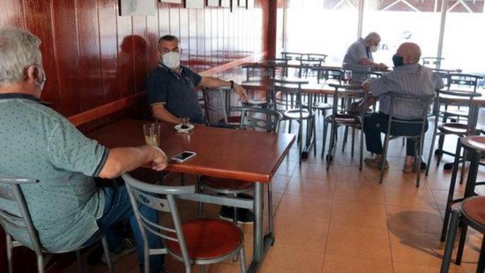 Imatge de l'interior d'un bar del municipi d'Alcarràs