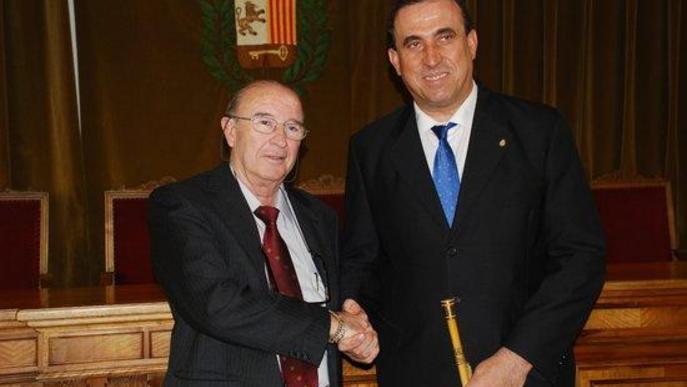 Imatge d'arxiu de Josep Calbetó (PP), a la dreta i Pau Perdices (CiU) a l'esquerra. Es el dia del canvi d'alcaldia a l'Ajuntament de Vielha e Mijaran