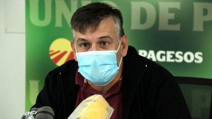 Pla mitjà del coordinador nacional d'Unió de Pagesos, Joan Caball, el 25 de setembre a la seu del sindicat a Lleida