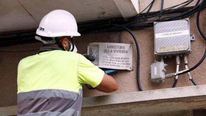 La Paeria reprèn la retirada de la vintena de plaques franquistes a Lleida