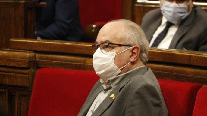 Primer pla del conseller d'Educació, Josep Bargalló, al ple del Parlament del 7 d'octubre de 2020