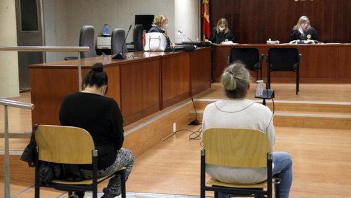 Declara que el padrastre abusava d'ell a Lleida i que el va amenaçar amb un ganivet quan li ho va explicar a la mare