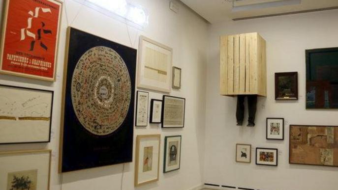 Pla obert d'algunes de les peces que formen part de l'exposició Inventari General del Museu d'Art Jaume Morera de Lleida