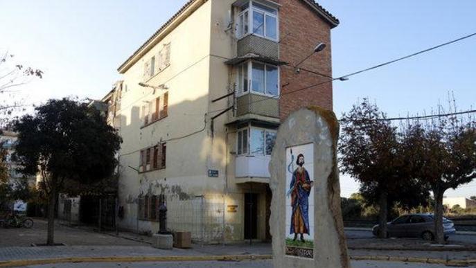 Pla general on es pot veure el bloc A del Grup Sant Isidori, les obres d'enderroc del qual ja tenen el tret de sortida amb la signatura de l'acta de replanteig