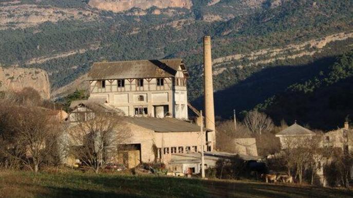 Preocupació davant el possible enderroc de la cimentera centenària de la Pobla de Segur
