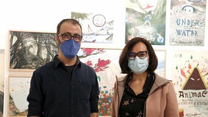 Pla mig de l'il·lustrador, dibuixant i artista lleidatà, Carles Porta, i la directora de l'Animac, Carolina López, en l'exposició 'Carles Porta. La casa infinita' al Museu Morera