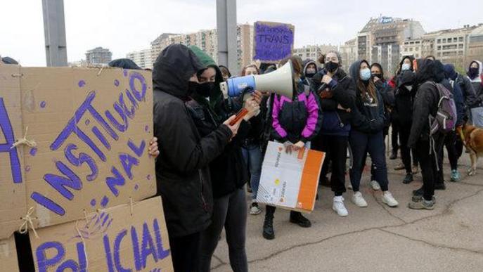 Reivindicació feminista durant l'acte institucional del 8-M