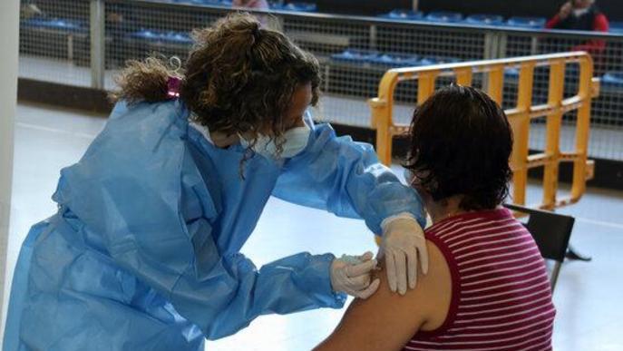 ⏯️ La Seu prova la pista polivalent com a espai de vacunació massiva