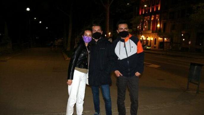 ⏯️ Centenars de lleidatans celebren la fi del toc de queda nocturn a la vora del riu Segre