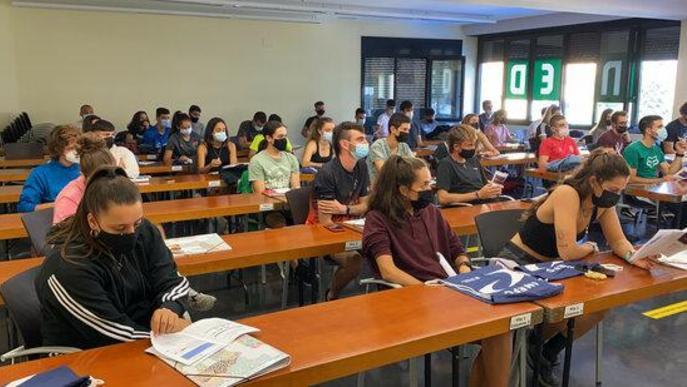 Arrenca el primer curs de l'INEFC Pirineus amb gairebé la meitat d'estudiants noies