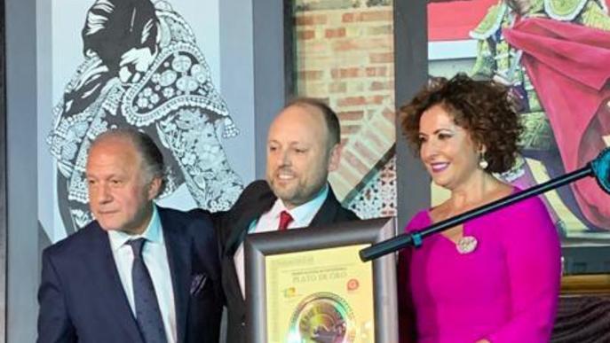 El Xef  Mateu Blanch rep el Premi 'Plato de Oro 2019'