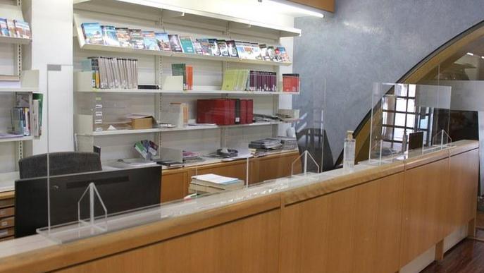 La Biblioteca Germanes Güell de Tàrrega reobrirà dilluns amb mampares de protecció