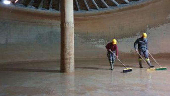 El Servei Municipal d'Aigua de Solsona neteja el dipòsit i millora la injecció de clor