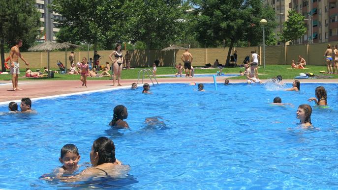 Piscines municipals piscina banyistes