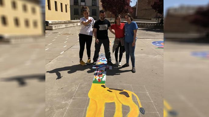 Alumnes de Lleida rehabiliten la plaça de l'Hort de Santa Teresa