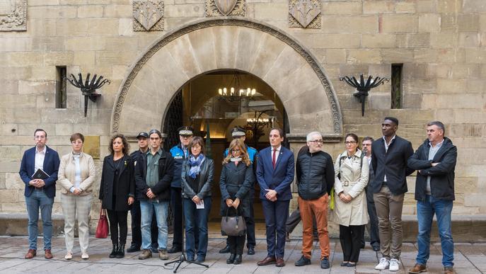 La Paeria realitza un minut de silenci en solidaritat amb els afectats pels aiguats