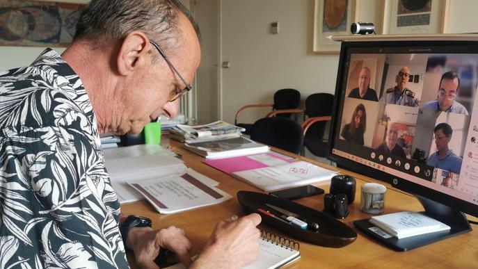 Pueyo vol regularitzar temporalment persones sense papers que arriben a Lleida per treballar a la fruita
