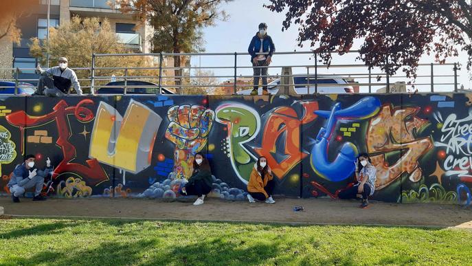 """La Mariola lluirà un nou mural fet per joves """"en favor de la tolerància i el respecte"""""""