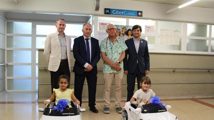 El Servei de Pediatria de l'Arnau disposa de dos cotxes elèctrics per als infants ingressats