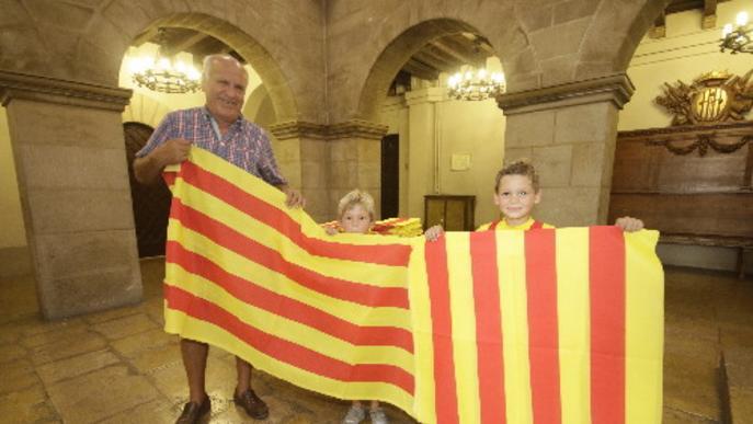 L'ajuntament de Lleida repartirà  7.500 metres de senyera per commemorar l'11 de setembre