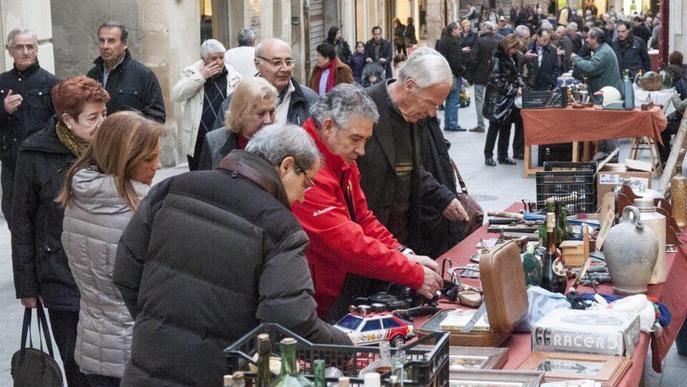 El mercat d'antiguitats i de les arts de Tàrrega torna amb una desena de paradistes