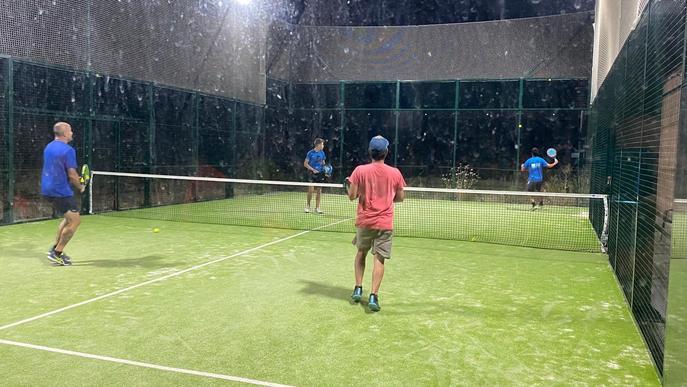Massalcoreig ha celebrat aquest passat cap de setmana el torneig d'estiu de pàdel. El campionat, obert exclusivament a jugadors del municipi, s'ha dut a terme durant els vespres de divendres a diumenge i ha comptat amb 39 inscrits, 13 dones i 26 homes.  E