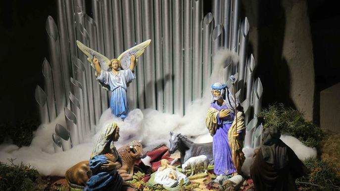 #Nadal2019: L'Agrupació Ilerdenca instal·la el tradicional pessebre a la Seu Vella