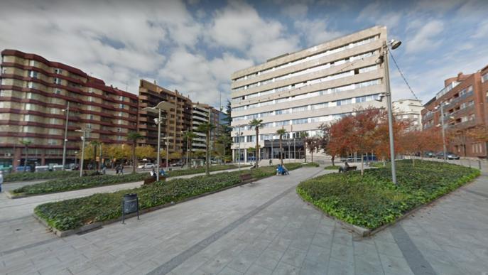 Detingut per agredir dues dones a la plaça Cervantes de Lleida